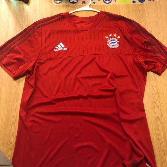 best service 18296 9e40a Bayern Munich Training Kit.